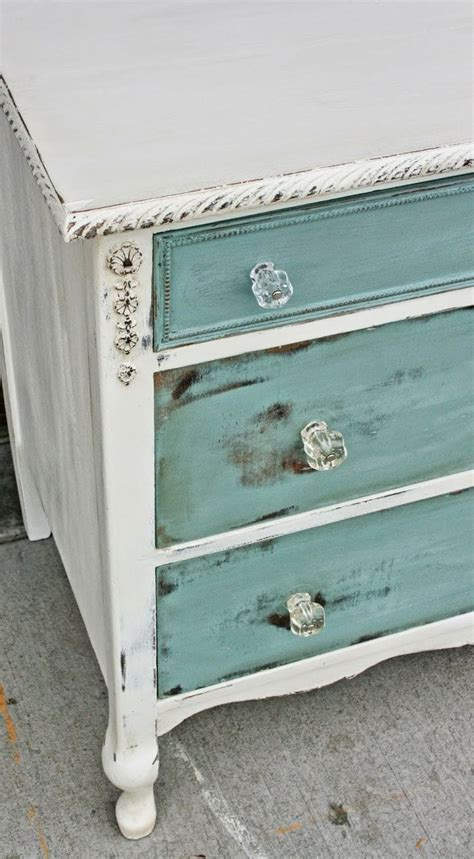 Distressing Furniture With Diy Chalk Paint