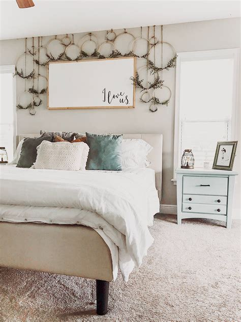 Diy Above The Bed Decorating