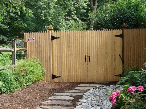 Diy Bamboo Over Stockade Fence