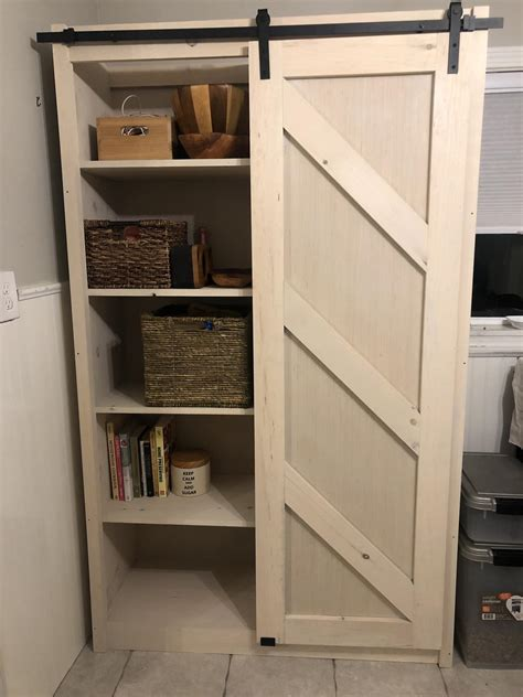 Diy Barn Door Bookshelf