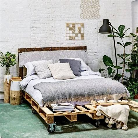 Diy Bed Frame Made From Pallets