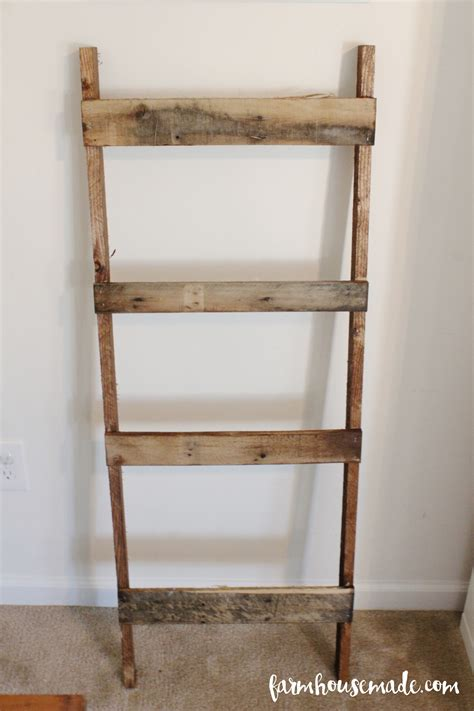 Diy Blanket Ladder With Pallets