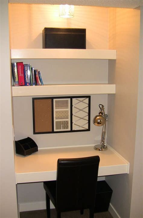 Diy Built In Desk In Hallway