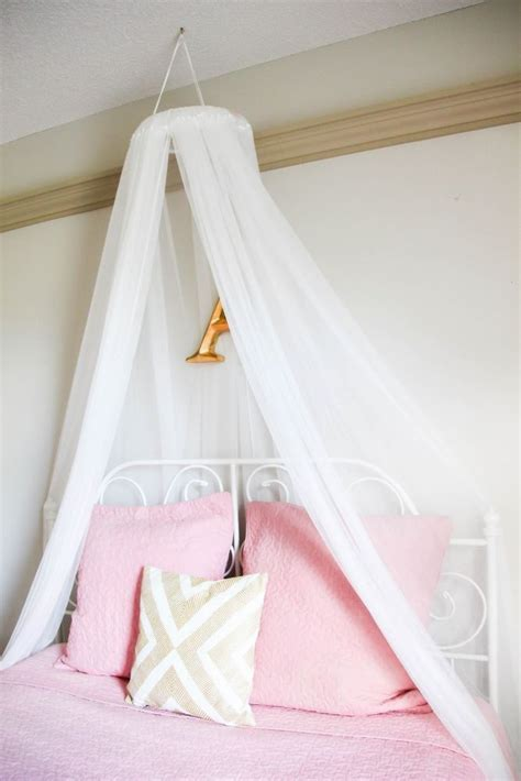 Diy Canopy Bed Netting Girls In Short