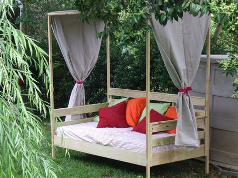 Diy Canopy Ideas For Daybeds