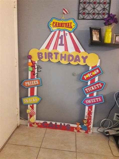 Diy Carnival Photo Booth