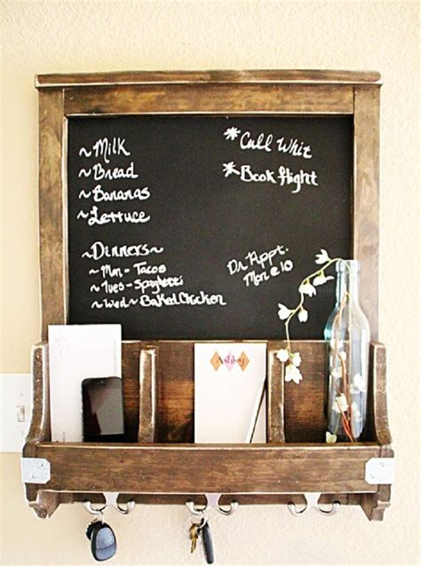 Diy Chalkboard And Key Hooks