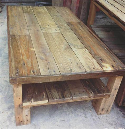 Diy Coffee Table Using Wood Pallets
