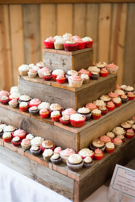 Diy Cupcake Display For 200 Cupcakes