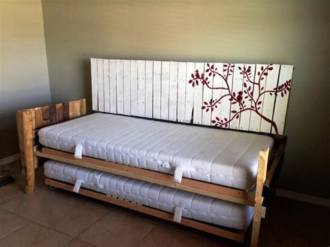 Diy Daybed Couch With A Headboard