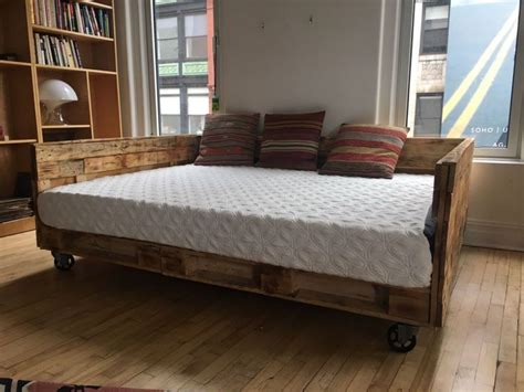 Diy Daybed Using Wood Railing