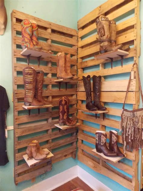 Diy Display Shelf From Pallets