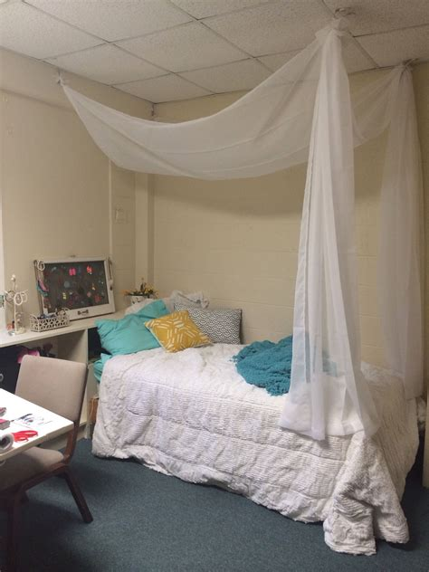 Diy Dorm Decorations Bed Canopy