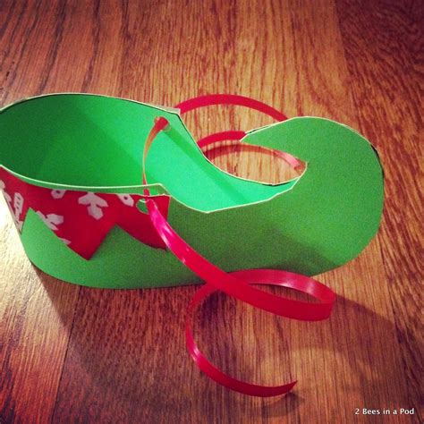 Diy Elf Shoe Cover From Construction Paper