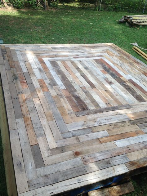 Diy Floating Wood Pallet Deck On Roof