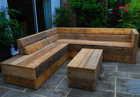 Diy Garden Sofa Using Scaffold Boards