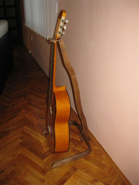 Diy Guitar Stands