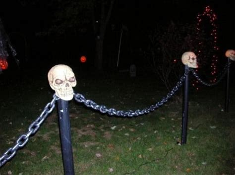 Diy Halloween Chain Fence