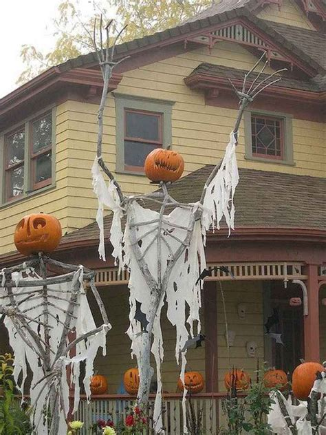 Diy Halloween Yard Props Cheap And Easy