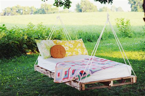 Diy Hanging Pallet Bed Instructions