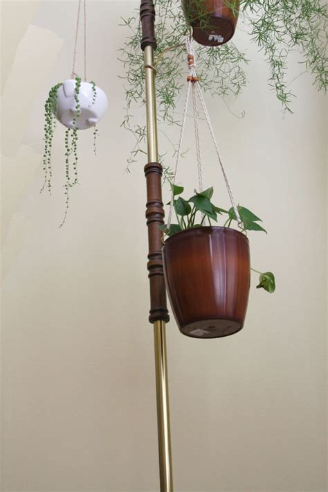 Diy Hanging Planter Wood Pole