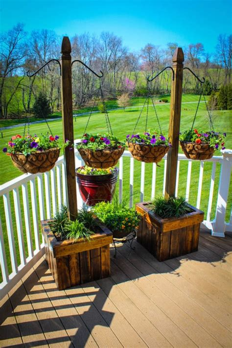Diy Hanging Planter Wood Pole Buildings