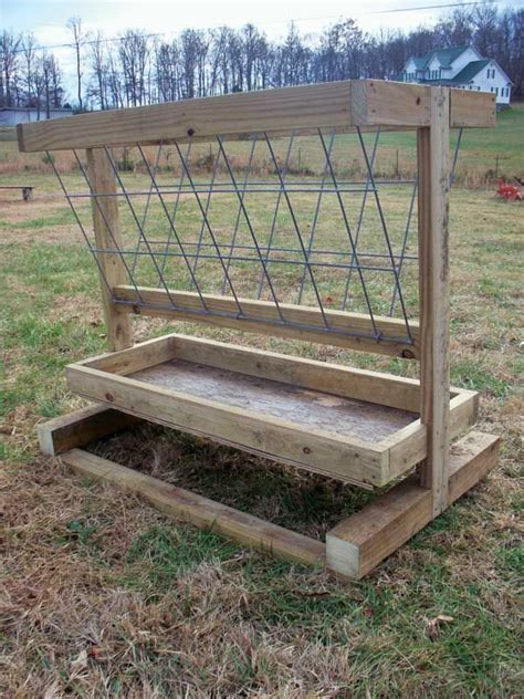 Diy Hay Feeder For Cattle