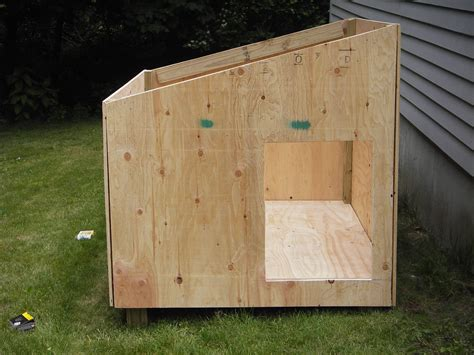 Diy Large Dog House Plans With Slant Roof