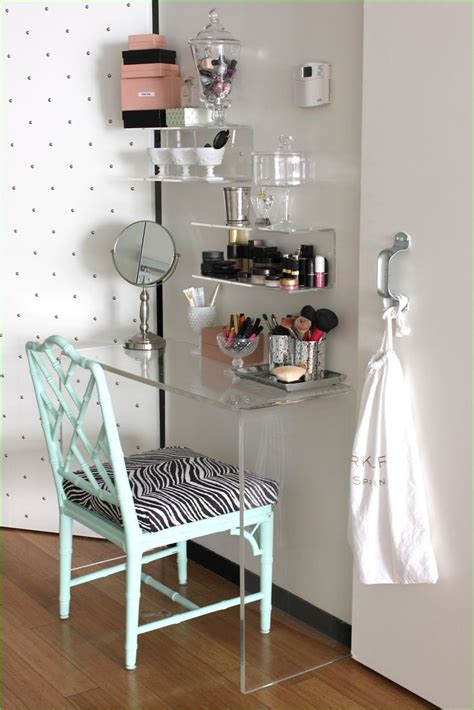 Diy Makeup Table Between Vanities