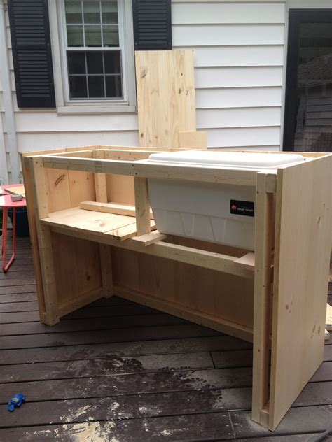 Diy Outdoor Bar With Built In Cooler
