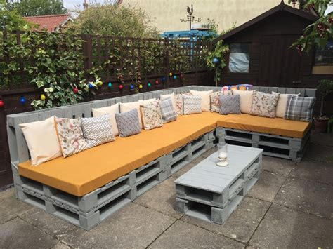 Diy Outdoor Furniture Using Pallets