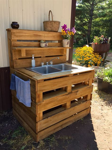 Diy Outdoor Sink Out Of Pallets