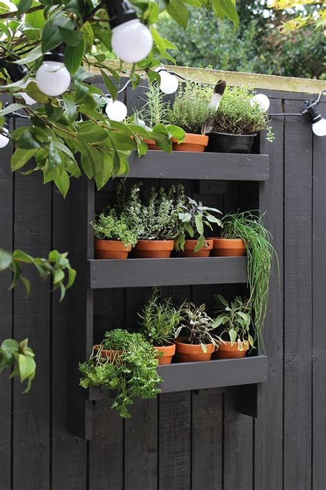 Diy Outdoor Wall Herb Garden