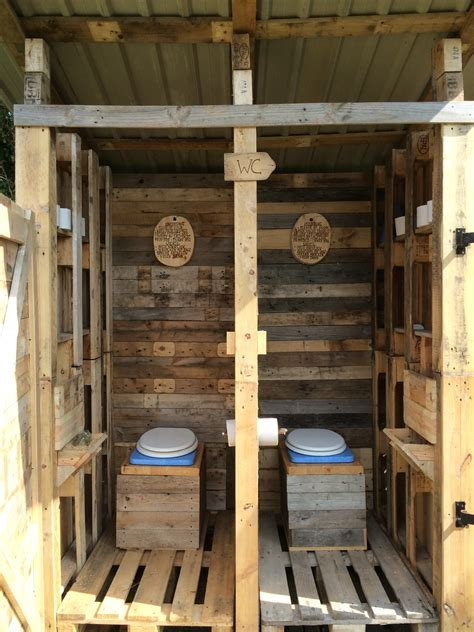 Diy Outhouse Made Out Of Pallets