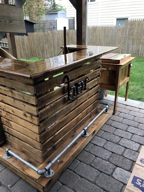 Diy Outside Bar With Pallets