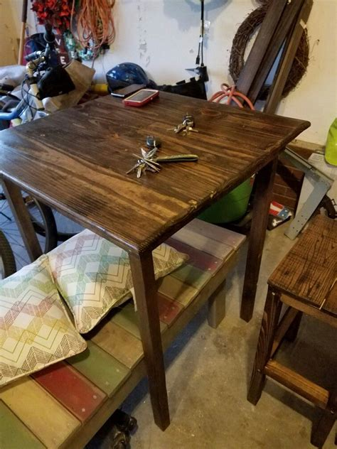 Diy Pallet Bar Height Table