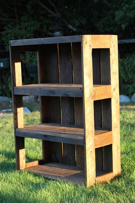 Diy Pallet Bookshelf Pinterest