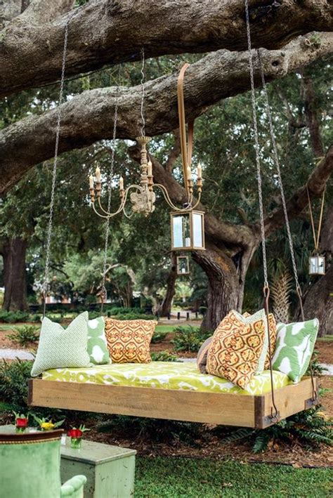 Diy Pallet Chair Hanging In Tree
