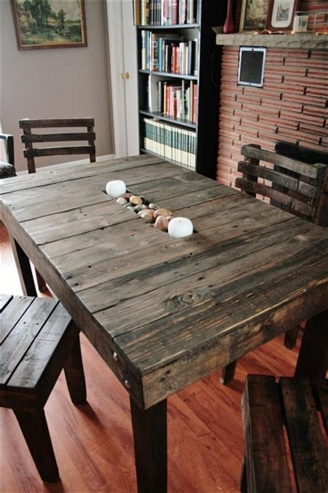 Diy Pallet Dining Table And Chairs
