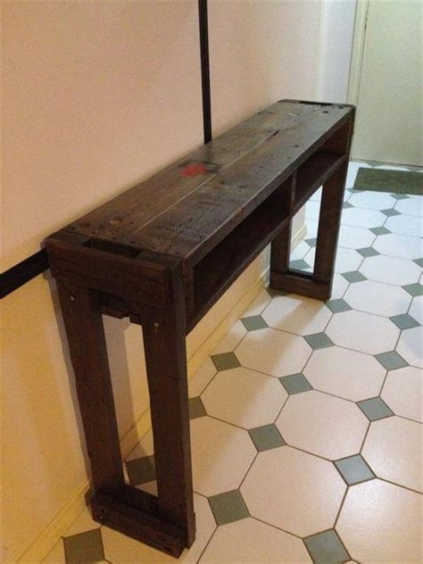 Diy Pallet Hall Table