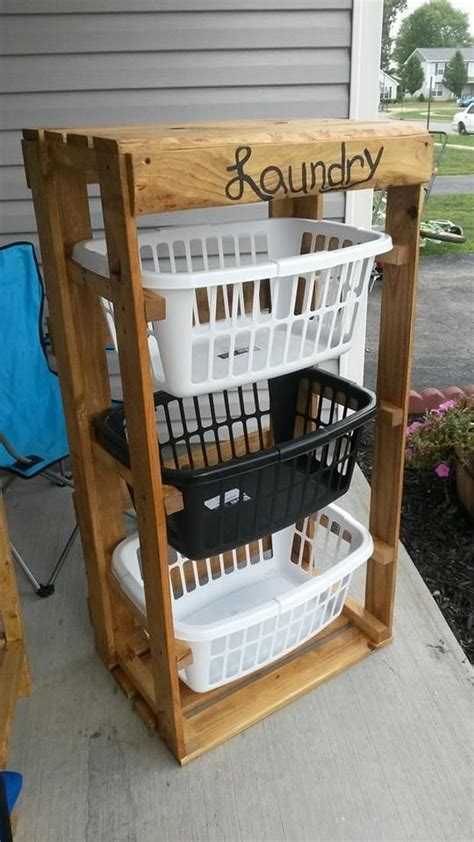 Diy Pallet Laundry Basket Holder