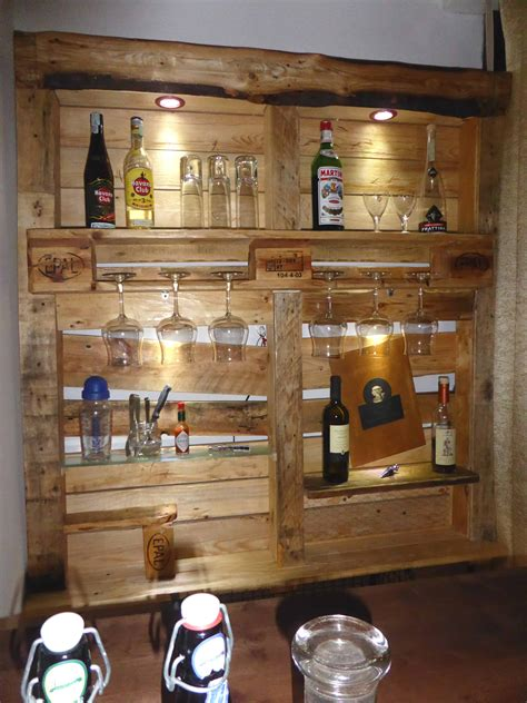 Diy Pallet Liquor Rack Wall