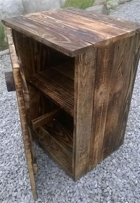 Diy Pallet Nightstand Plans With Drawers