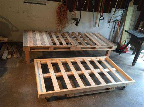 Diy Pallet Trundle Beds