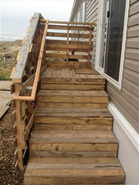 Diy Pallet Wood Stairs