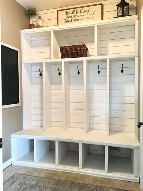 Diy Plans Mudroom Lockers