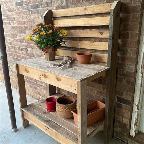 Diy Potting Bench Plans Using Brackets To Hand