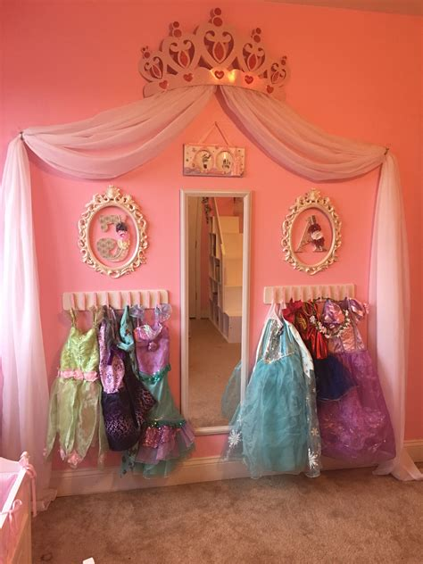 Diy Princess Dress Up Wall
