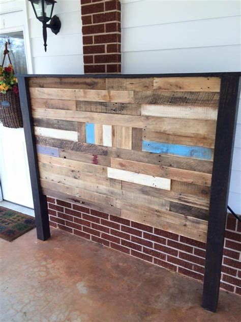 Diy Queen Headboard From Pallet Wood