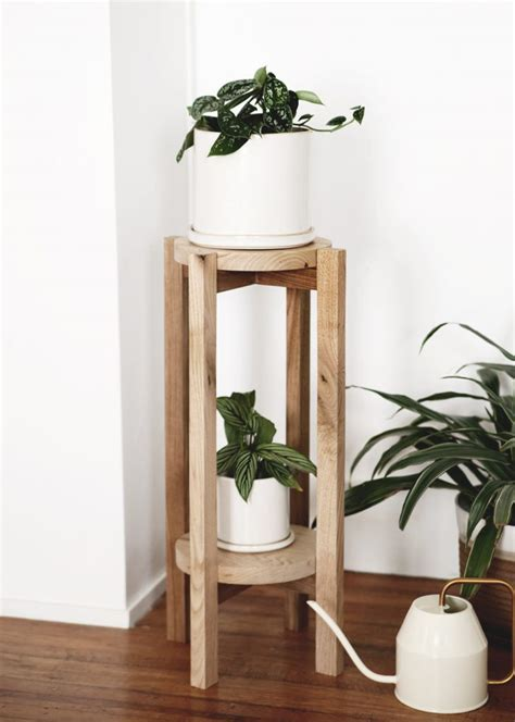 Diy Round Plant Stand Shelves